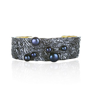 OCEAN BED cuff style bangle, black & yellow, black pearls