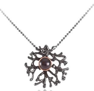 FAN OF THE SEA small pendant, chain, silver & black & rose, pearl